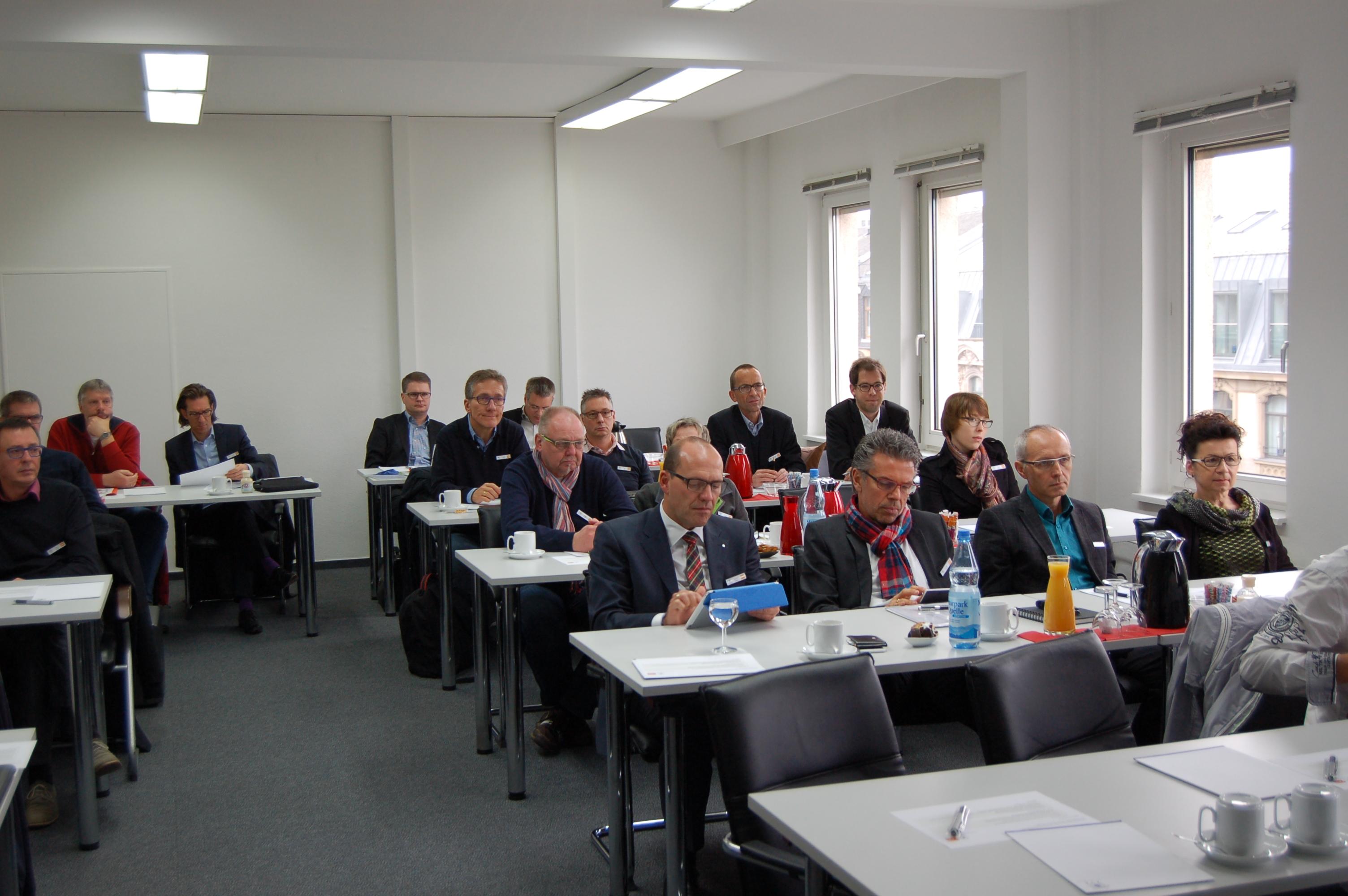 Bild von Teilnehmern desGeomarketing-Seminars des ZVA in Frankfurt